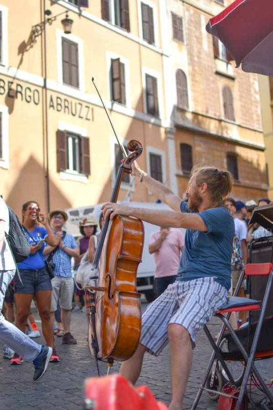 Street musicians on a food tour in Rome